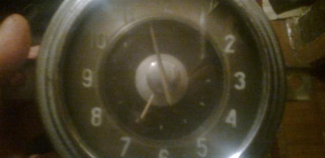 Продам часы ГАЗ-21
