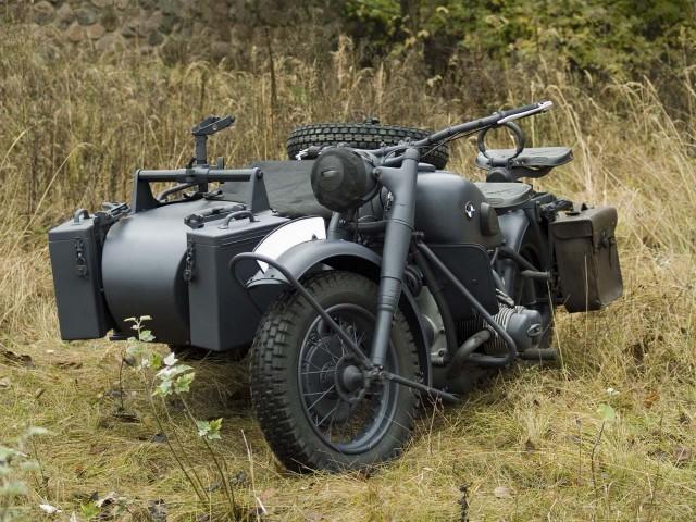 BMW R-75 Military moto