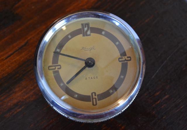Продам часы дял довоенного авто Опель