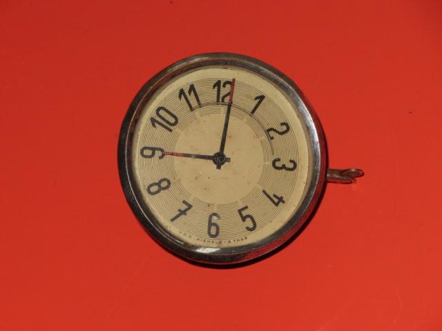 DKW F-5. Оригинальные механические часы VDO-KIENZLE