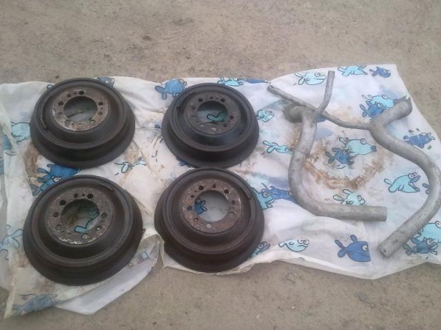 ормозные барабаны и приемные трубы ГАЗ 13 Чайка