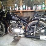 Продаётся ретро-мотоцикл ИЖ 49 1954 года выпуска в отличном состоянии. Цена 110 000 руб.