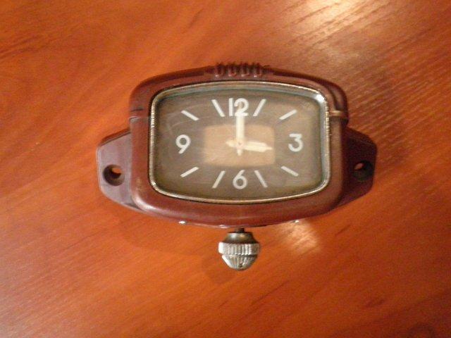 Часы для «Москвич-407»