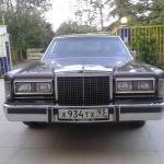 Продается автомобиль Lincoln Towncar 1987 г.